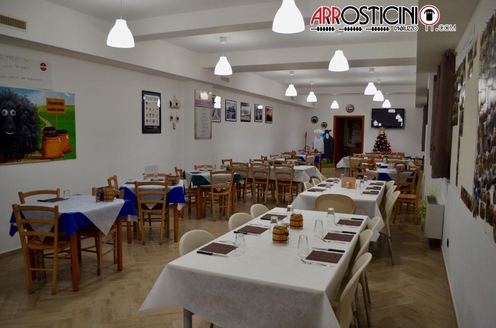 La pecora nera l 39 aquila arrosticini abruzzesi for Arredamento sala ristorante