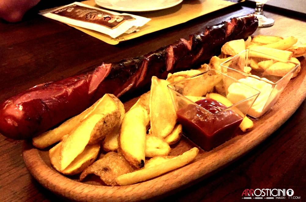 wustel gigante big rocco del ristorante pub le Botti di Pescara 2 in Abruzzo