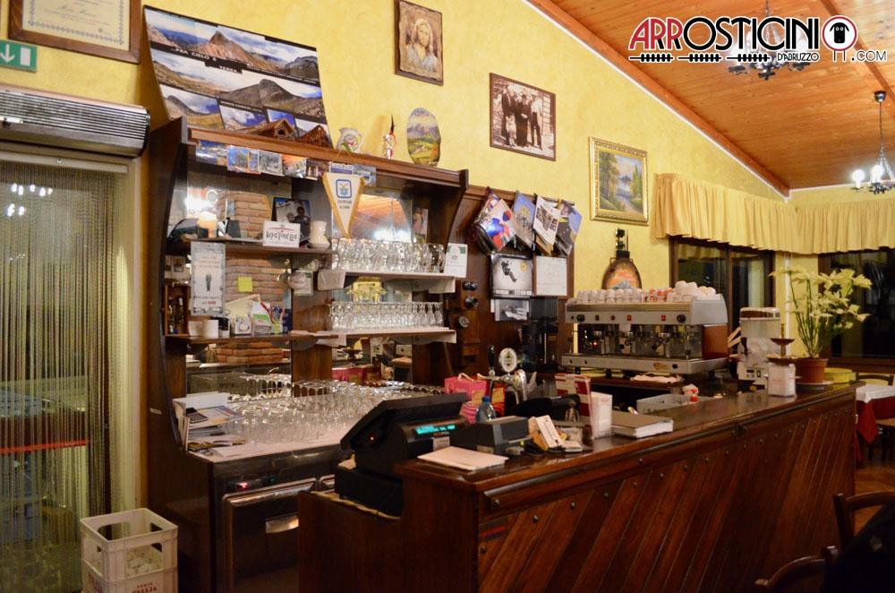 Bancone bar del ristorante Lu Strego