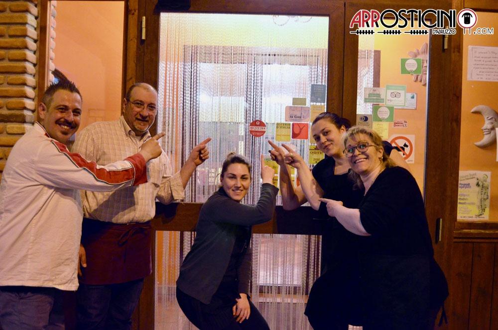 Staff Lu Strego con bollino Arrosticini D'Abruzzo Farindola