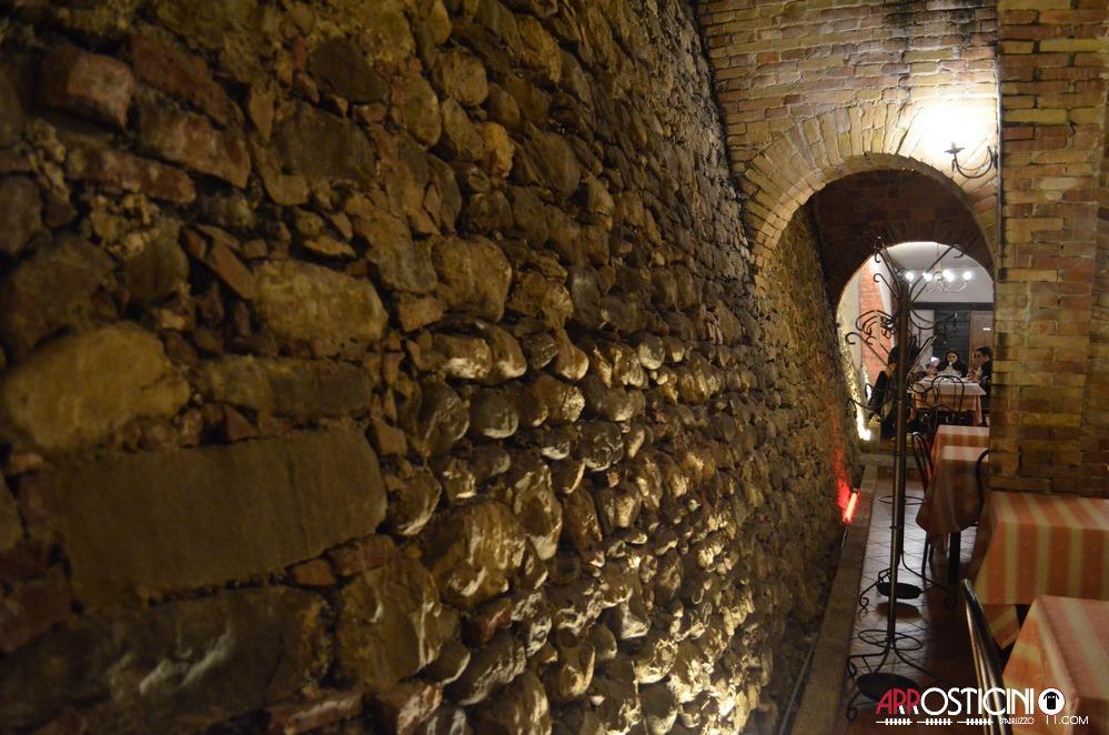 veduta laterale dell' osteria Strabacco Teramo Abruzzo Arrosticini