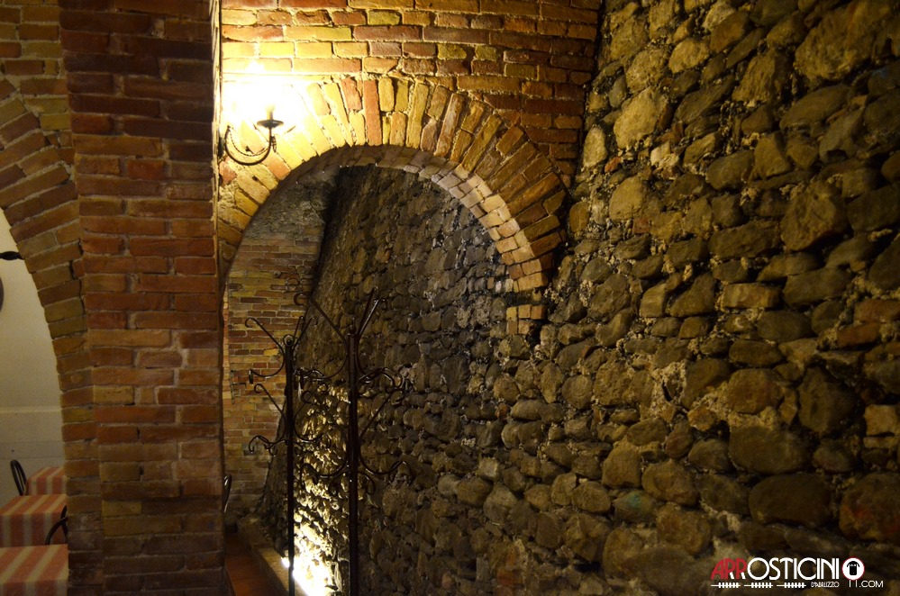 veduta laterale opposta osteria Strabacco Teramo Abruzzo
